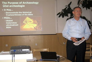 Ferrell Jenkins presenting lessons on Bible History and Archaeology in the Czech Republic, 2006.